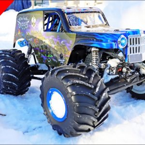 Losi LMT Son Uva Digger Monster Truck - Back Yard Snow Fun!